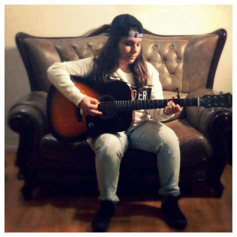 Nareh Abramian has been playing the guitar for over 4 years.