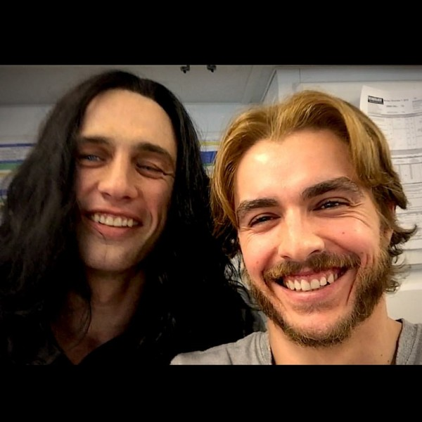 James Franco as Tommy Wiseau and his brother Dave Franco as Greg Sestero.