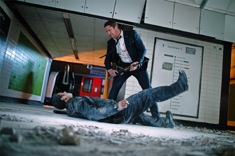 Gerard Butler literally throws down with enemies in London Has Fallen.