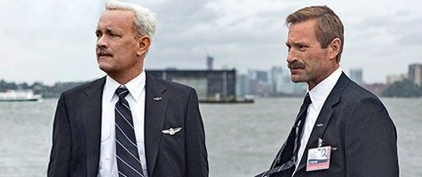 Tom Hanks as Sully and Aaron Eckhart as Jeff Skiles