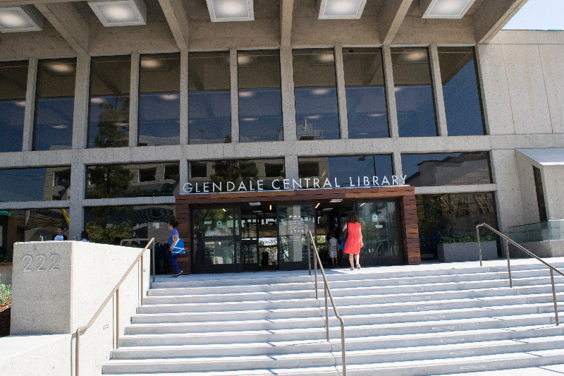 New+entry+into+the+Glendale+Central+Library