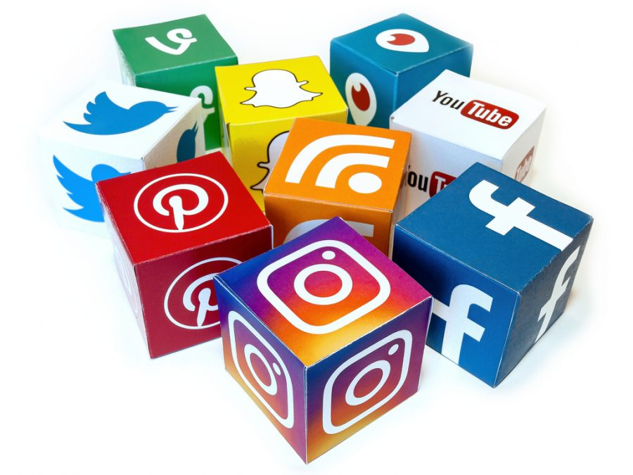 Social+media+is+a+major+influence+in+the+downfall+of+celebrities.%0A