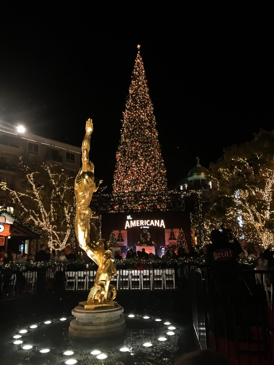 The Americana in Glendale all ready for Christmas.