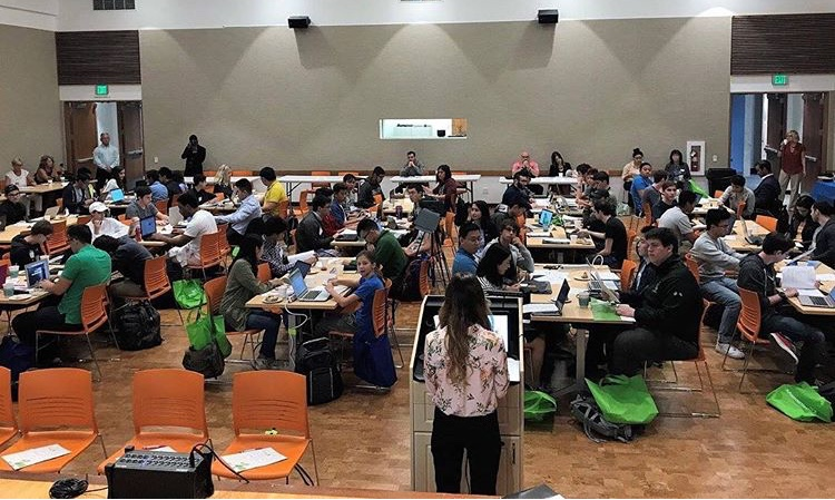 Over+95+high+school+and+college+students+come+to+the+Glendale+Central+Library+to+compete+in+the+fourth+annual+Hackathon.