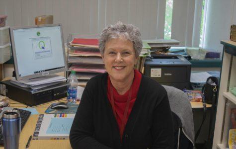 English teacher Stephanie Sajjadieh bids farewell after 20 years at Clark
