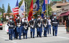 La Cañada's Fiesta days parade reels in families on Memorial day