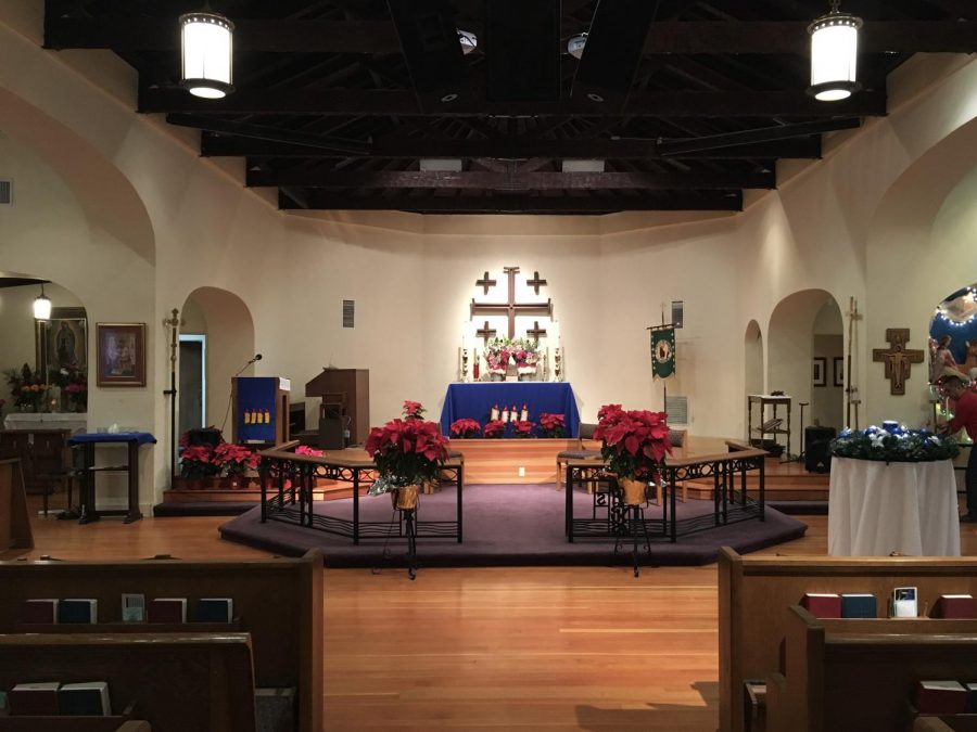 St.+Luke%27s+of+the+Mountains+is+a+cozy+Episcopal+church+located+in+the+heart+of+the+Crescenta+Valley+with+a+beautiful+interior.