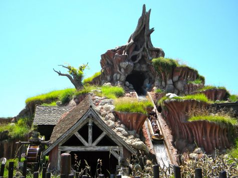 Splash Mountain at Disneyland Park in California and Magic Kingdom Park in Florida is scheduled for a retheme from the Song of the South to The Princess and the Frog.