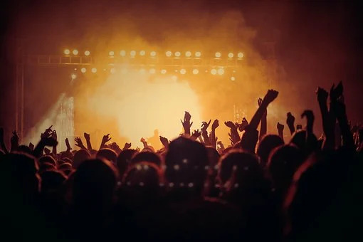 With the COVID-19 pandemic still going strong, concerts have been put on hold all over the world since March 2020.
