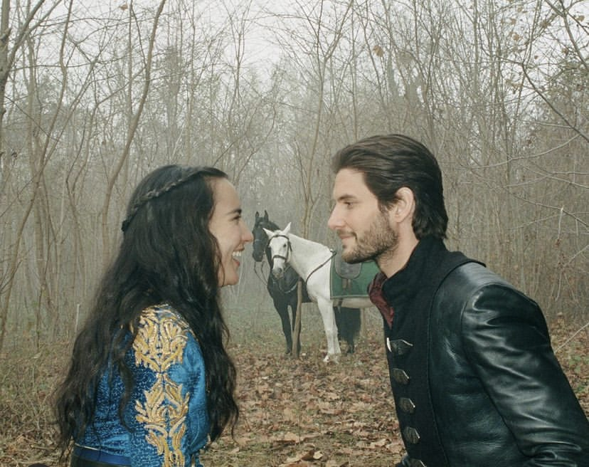 Behind the scenes of Shadow and Bone with Jessie Mei Li and Ben Barnes, who play Alina Starkov and General Kirigan.